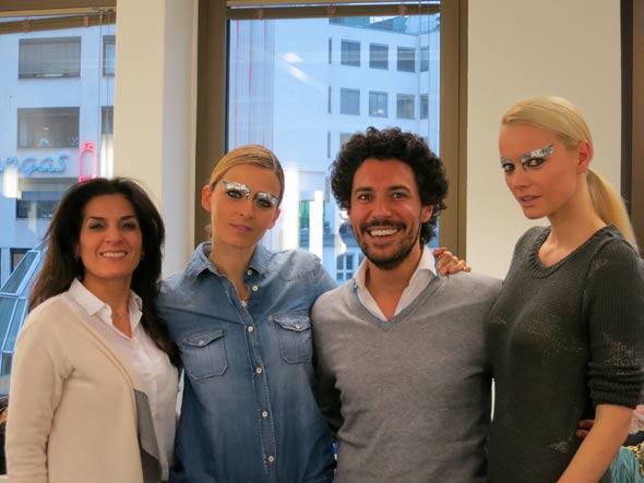 Topmodels Padberg und Knuppe zusammen mit Boris Entrup an der Famous Face Academy